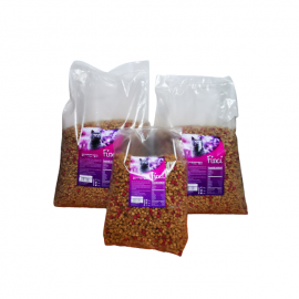 Pachet mancare pentru pisici, Finci , compus din 2 saci de 10 kg si unul de 3 kg