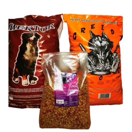 Set compus din mancare caini Greedy si Hector, 10 kg per sac, si mancare pisici Finci, 3 kg